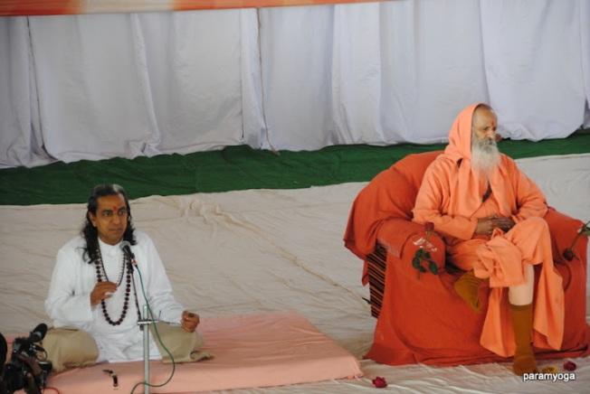 Paramanandji Maharaj with Guruji